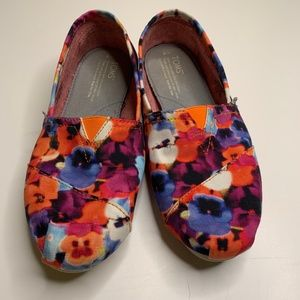 TOMS Floral Bright Flowers Poppies Flats Shoes